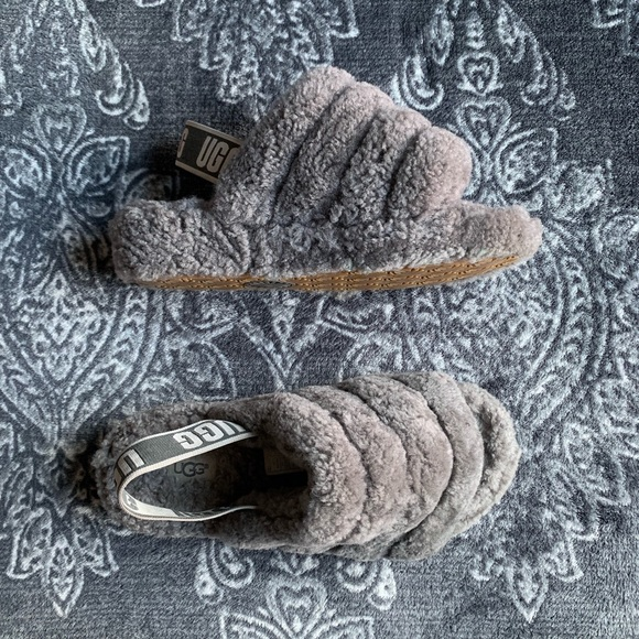 9d5fffc5be6 UGG Fluff Yeah Grey Slipper Slides Size US 6